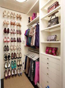 cabina armadio organizzata bzcasa