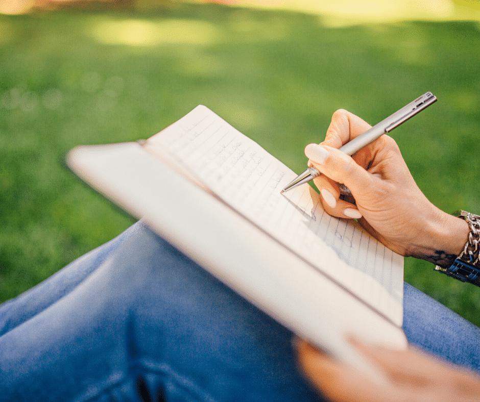 il decluttering può farti capire cosa vuoi veramente, inizia scrivendo un planner